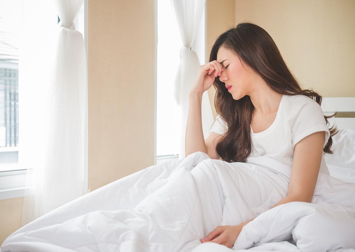 Nguyên nhân gây đau đầu, chóng mặt khi ngủ dậy