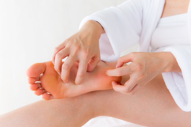 massage chân tăng cường tuần hoàn máu