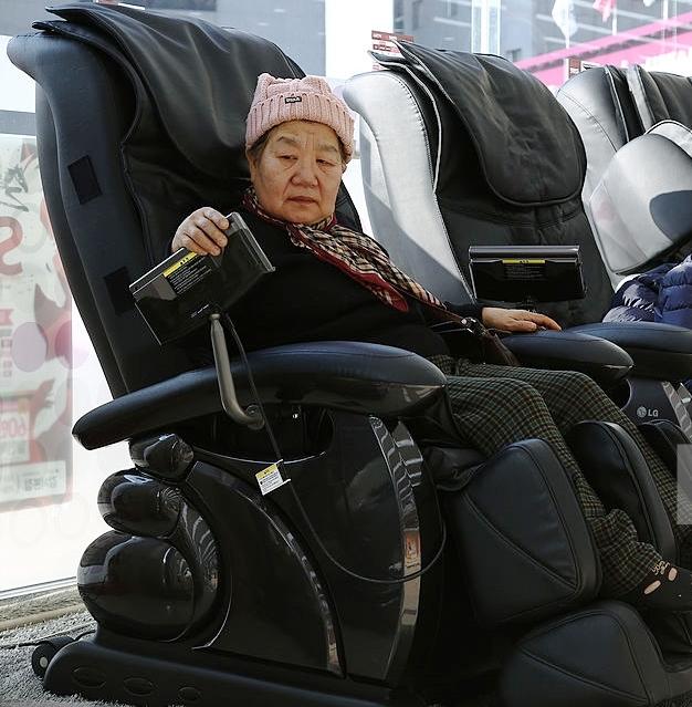 Những lưu ý khi mua ghế massage cho người khuyết tật