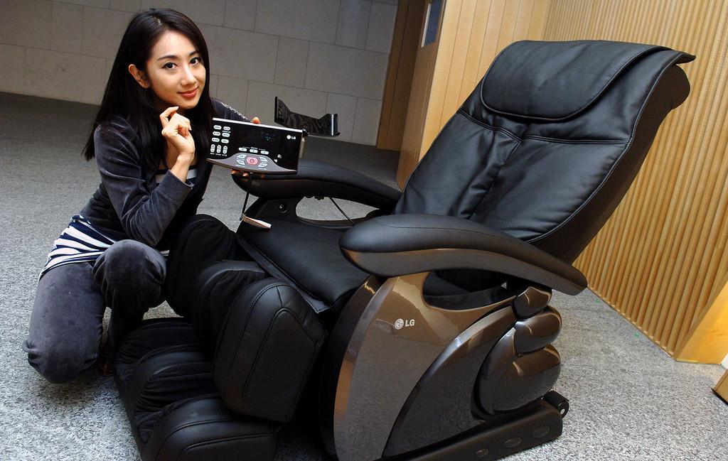 5 điều quan trọng bạn nên hỏi khi mua một chiếc ghế massage