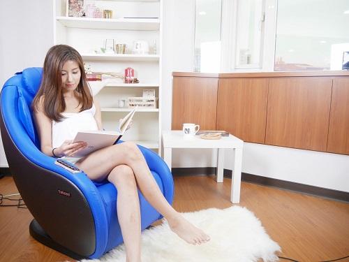 Xua tan mệt mỏi nhờ ghế massage Tokuyo ngay tại nơi làm việc